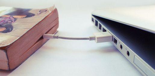 Livre relié à un PC en USB